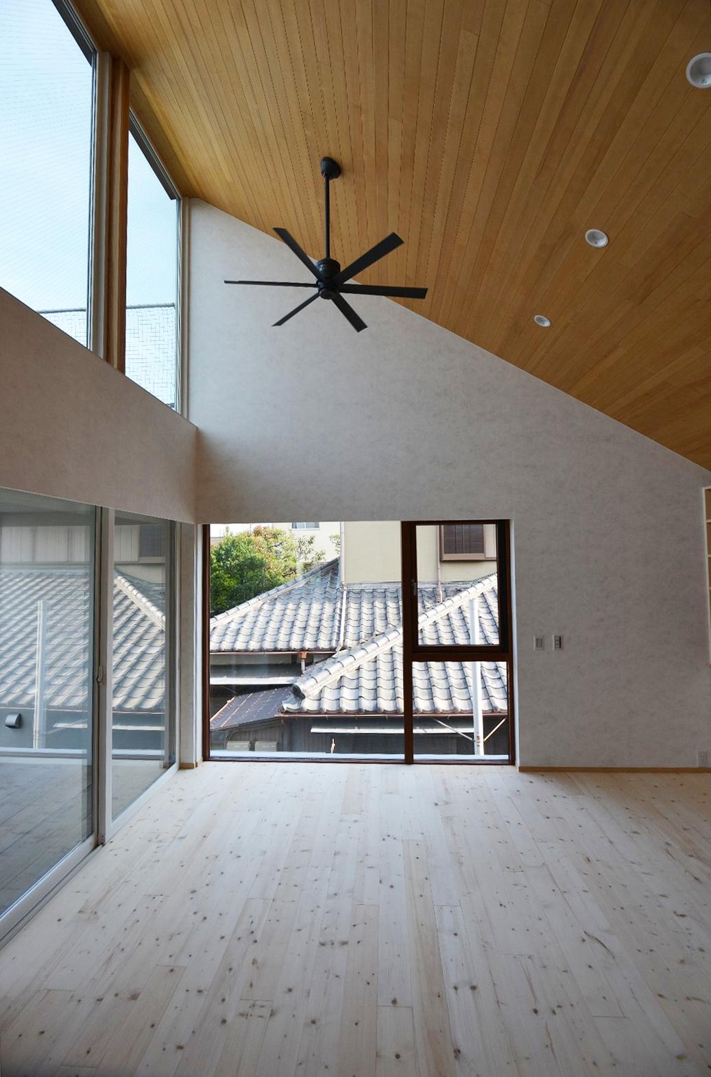 写真:通り土間の家11