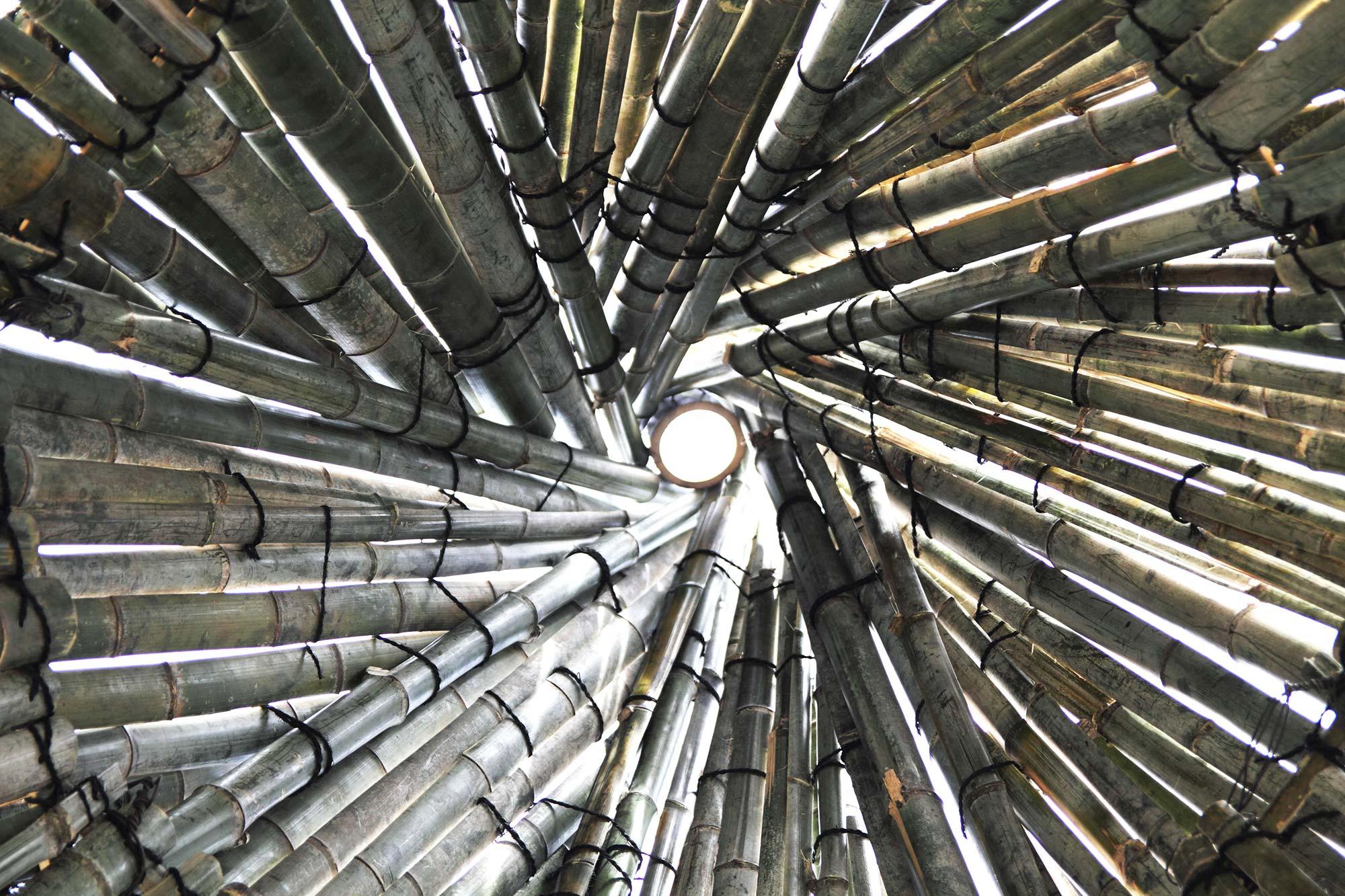 写真:光の井戸1
